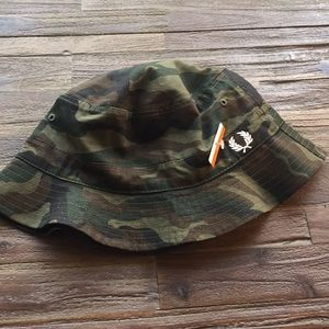 21e8d48dcaf Fred Perry Accessories - Men s Fred Perry Ripstop Reversible Bucket Hat NWT
